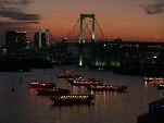 レインボーブリッジと屋形船イメージ